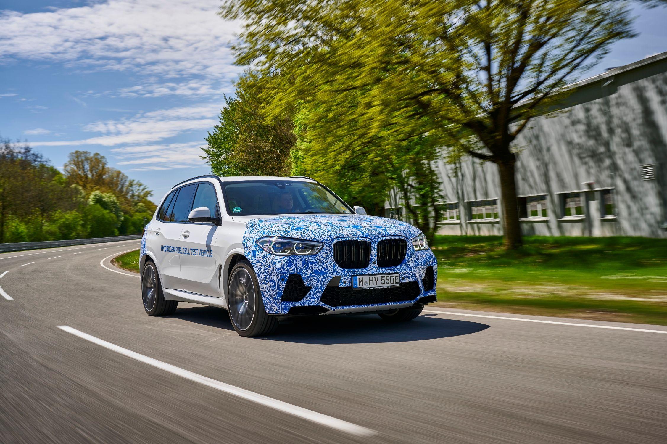 Comienzan las pruebas del BMW i Hydrogen NEXT impulsado por pila de combustible de hidrógeno.